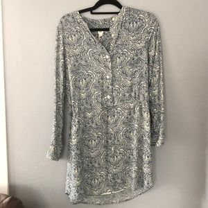 Blue and white paisley patterned GAP dress